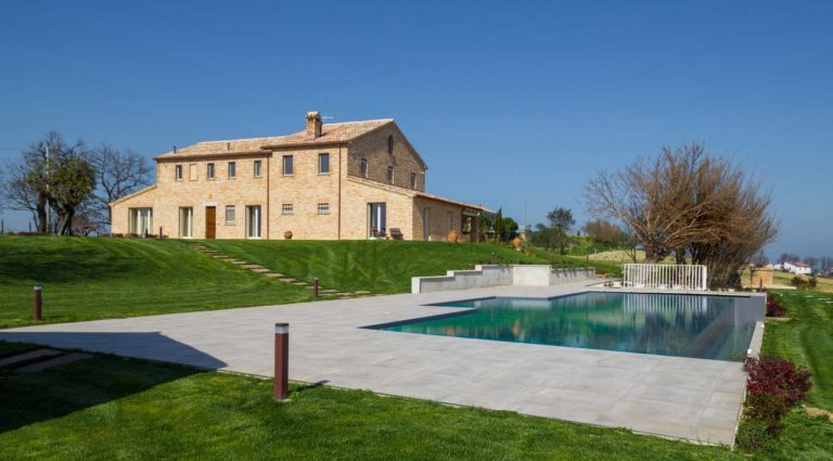 Farmhouse upon the hills of Senigallia