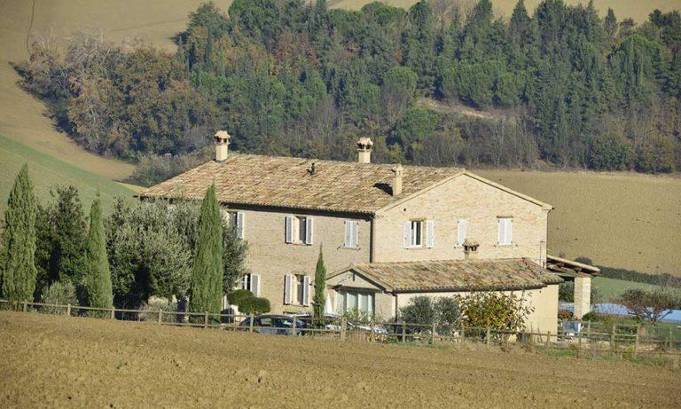 Progettazione e ristrutturazione di un casale a Morro d'Alba