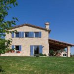 casale adibito a Bed and Breakfast a Cartoceto