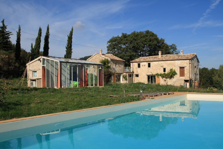 Farmhouse in Cingoli: renovation and restoration